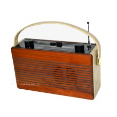 Roberts R760 Cream and Mahogany 3 Band Portable Transistor Radio